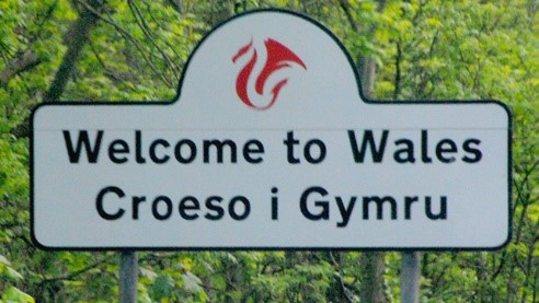 welcome_to_wales_sign